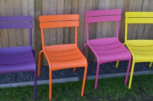 chairs-57075_640