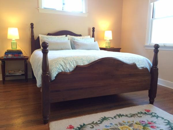 Cannon Ball Bed from Amish Furniture Factory