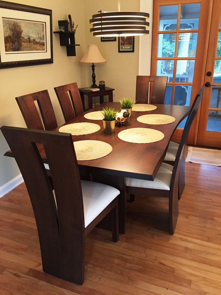 Why an Online Furniture Store Is the Modern Choice for New Dining Room