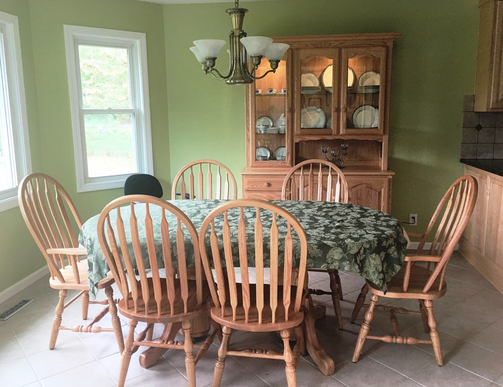 Double Pedestal Dining Set from Amish Furniture Factory