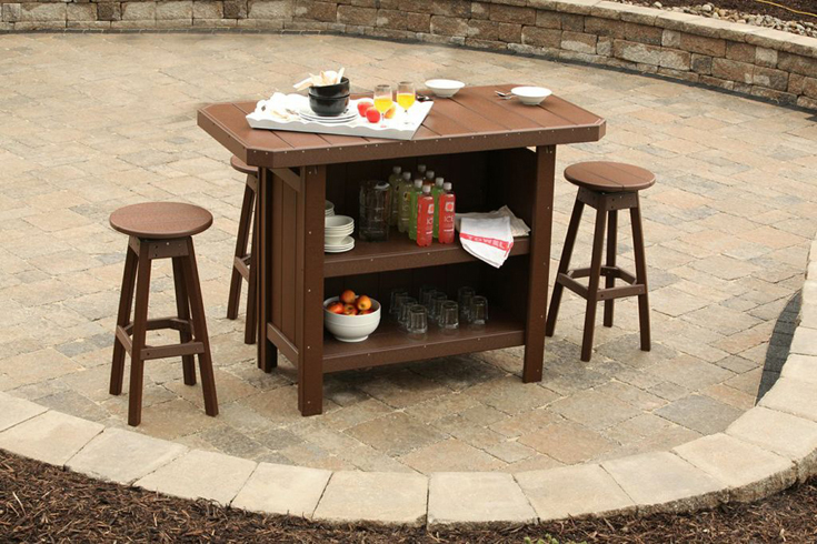 You won't have to worry about spills or condensation on this poly vinyl serving bar.
