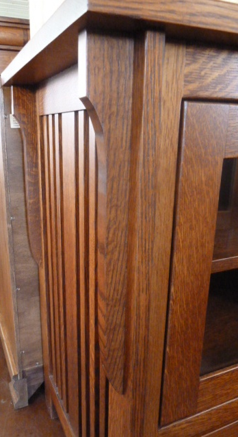 Corbel close-up: Royal Mission TV Stand